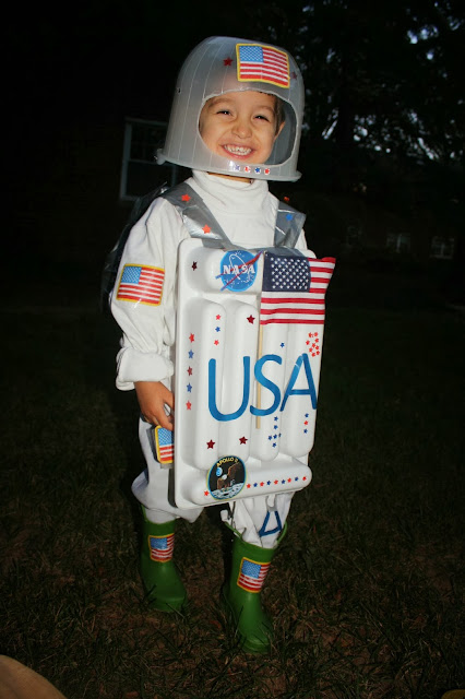 make your own astronaut helmet costume - photo #21