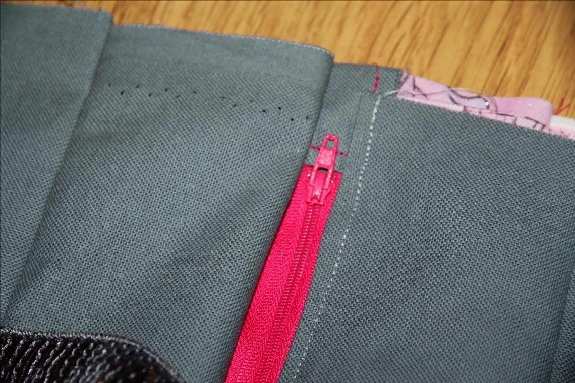 laisse luciefer les petits secrets couture le brillant tuto sac paillettes zipp. Black Bedroom Furniture Sets. Home Design Ideas
