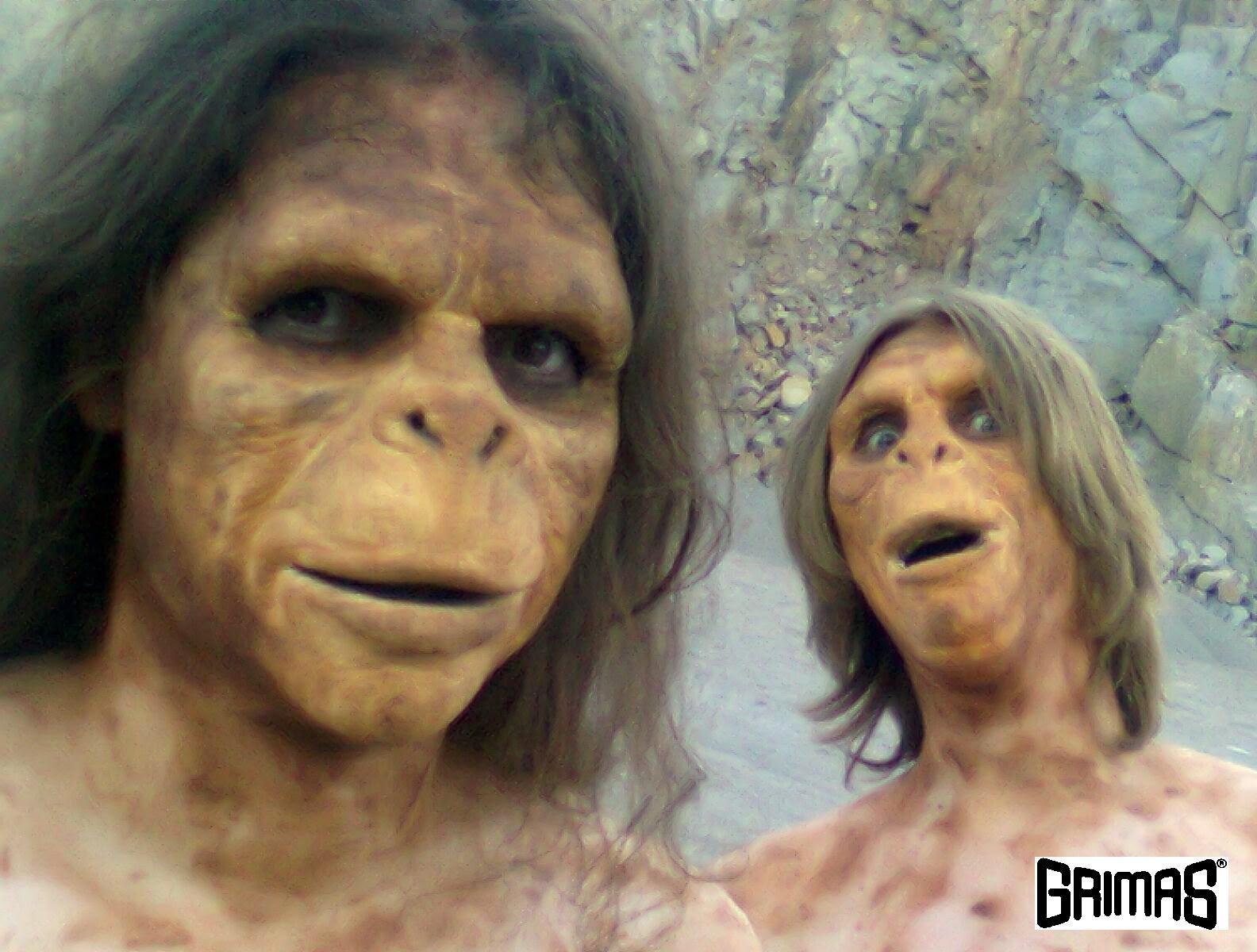 Apina / ape - photobomb (makeup FX / tehostemaskeeraus: Ari Savonen).