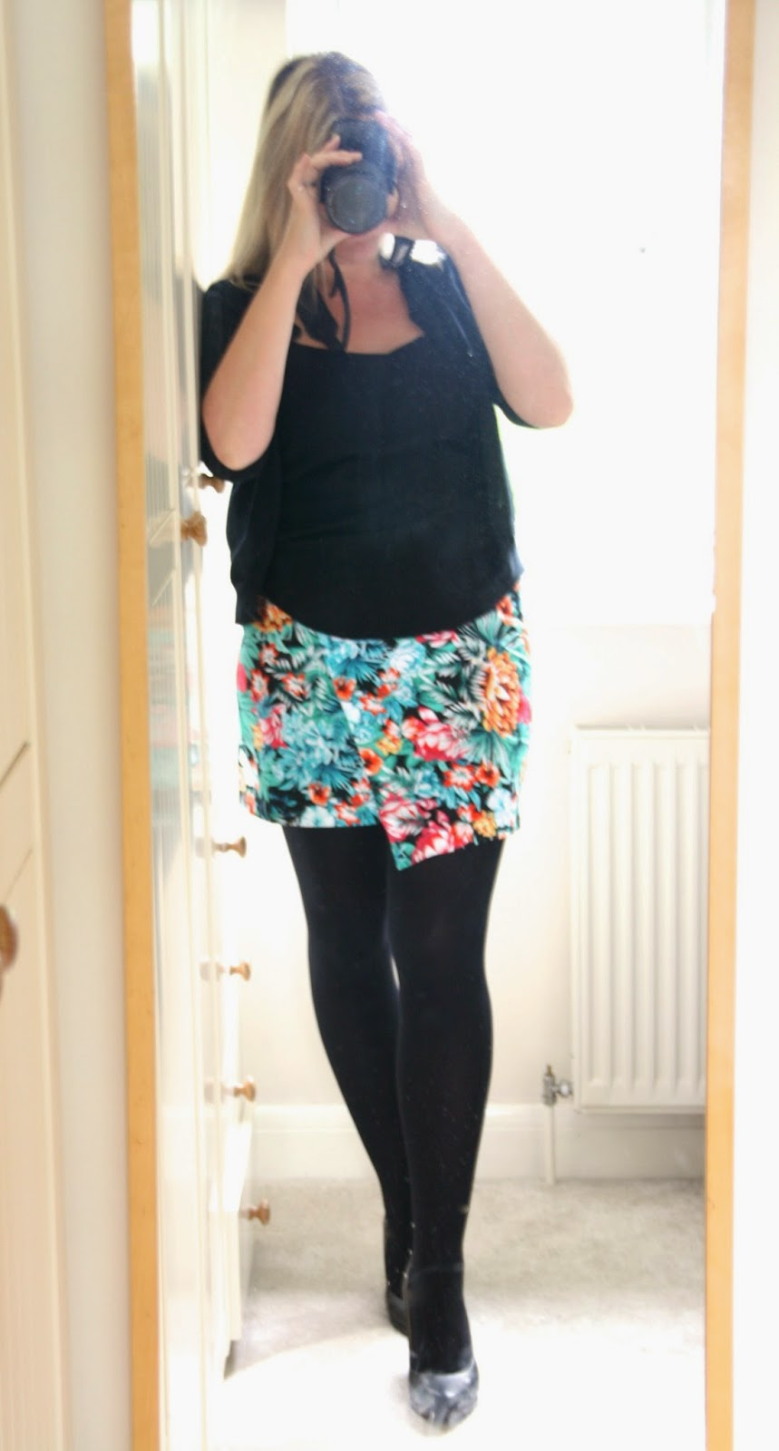 statement-skirt-curvy-tropical-print