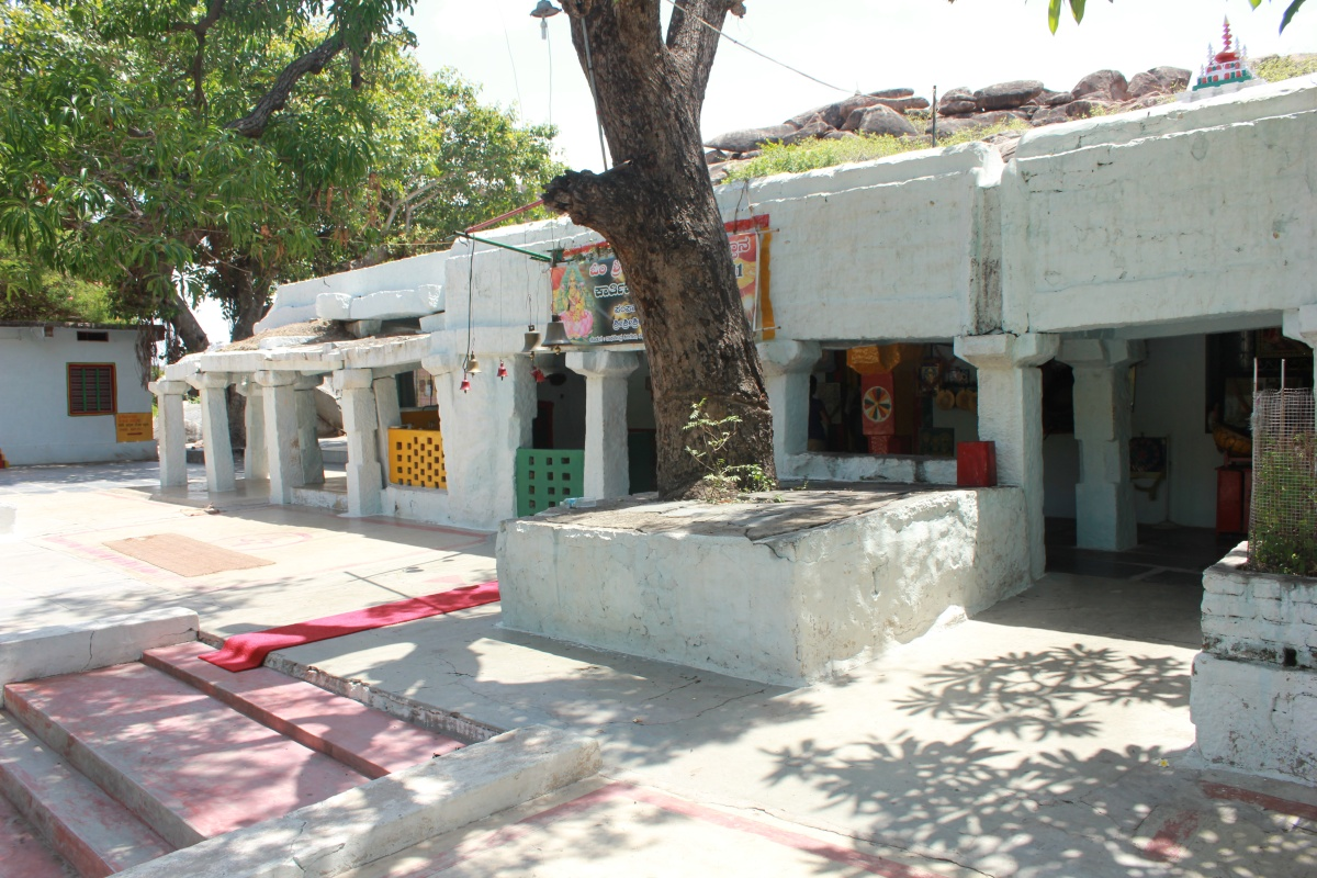 Pampa Saras or Sarovara & Sri Lakshmi Temple