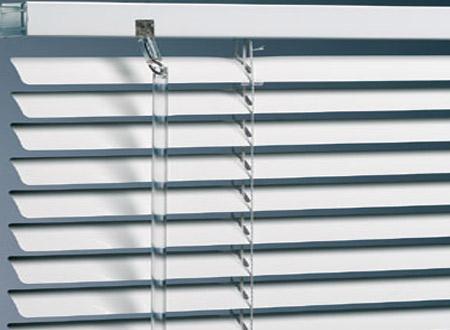 how to clean venetian blinds in tub