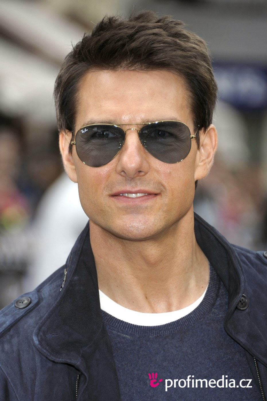Tom Cruise Haircut Free Wallpapers