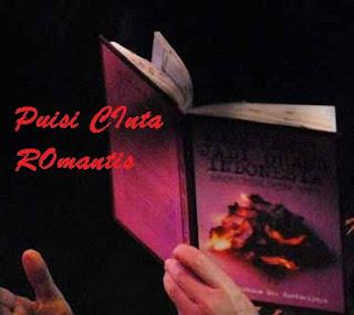 3 Puisi Cinta Paling Romantis Banget