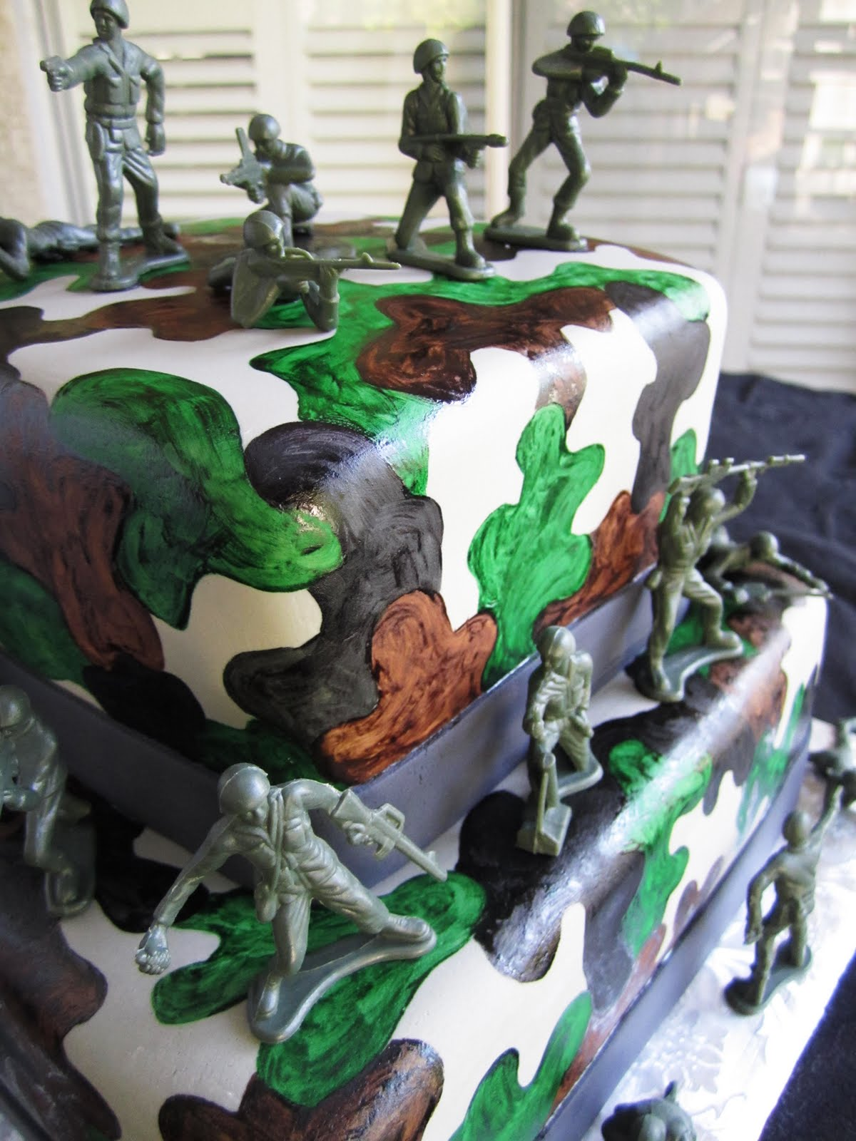 Cakes by Sarah Camouflage