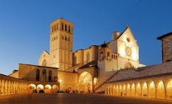 Assisi, Basiliche Aperte di Sera.