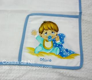 """""""medalhão com pintura de menino com cobertor"""""""