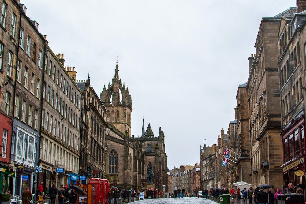 Royal mile Edinburgh city