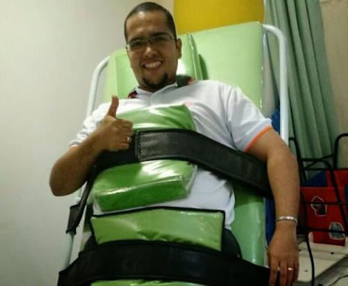 Professor baleado por aluno que tirou nota baixa está paraplégico