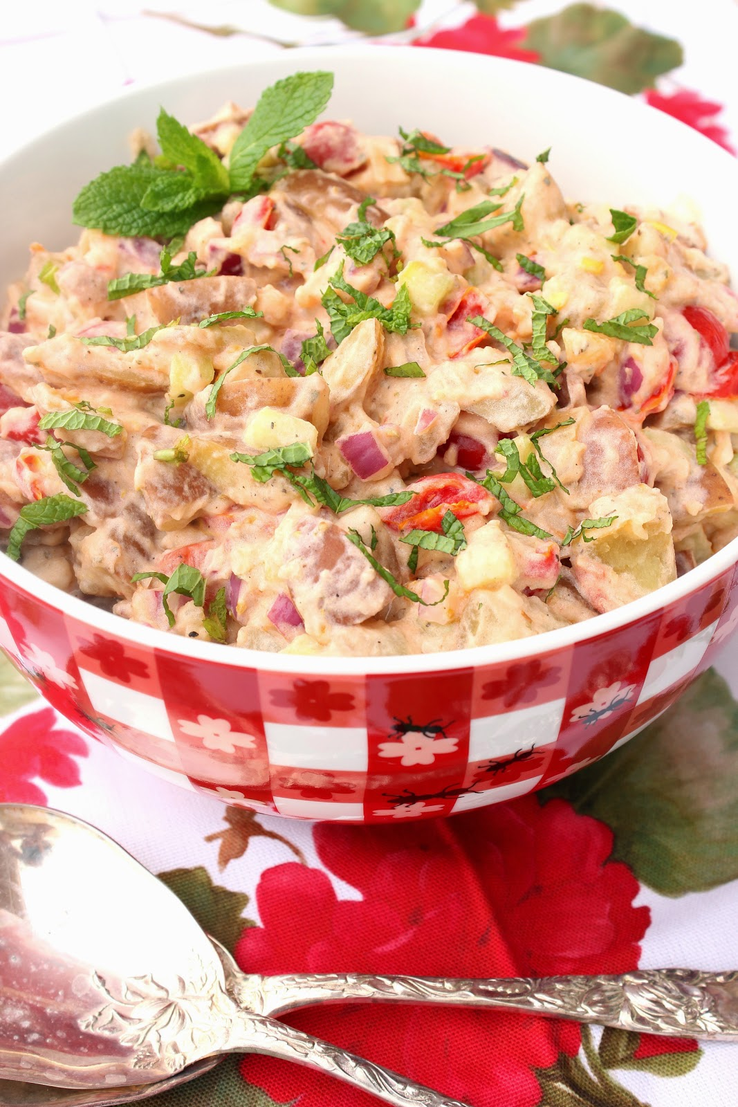 ... : Tzatziki Potato Salad for #SundaySupper featuring Idaho®Potatoes