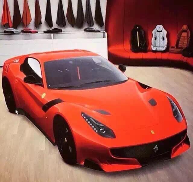 In Netz Gegangen: Ferrari F12 GTO MyAuto24