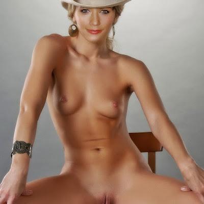 Rashida Jones nice nude sexy naked hot spread legs show shaved pussy