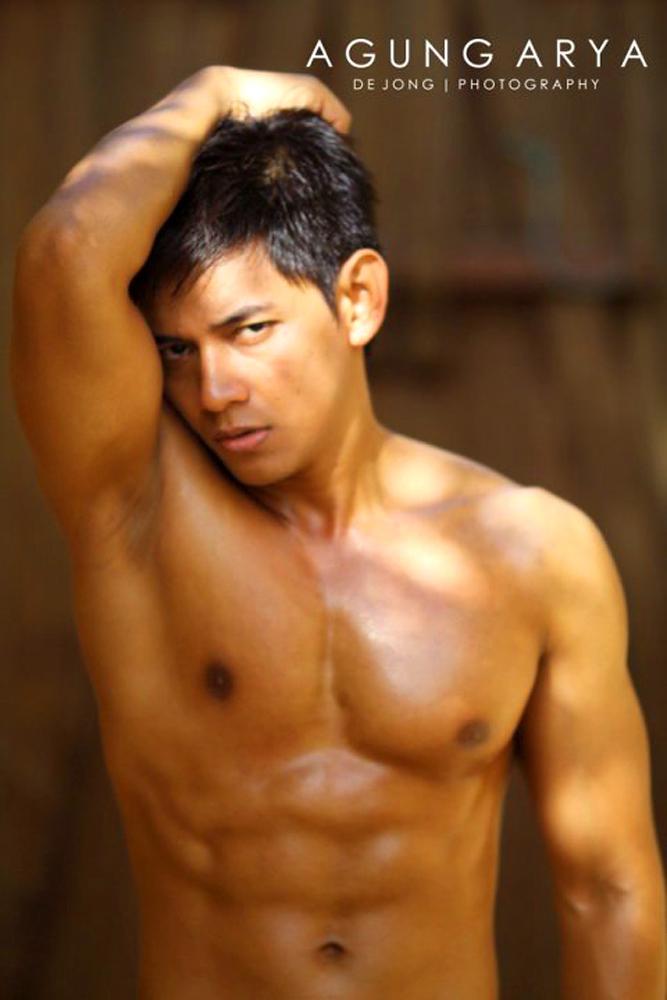 Indonesian male models naked, swinging door houston