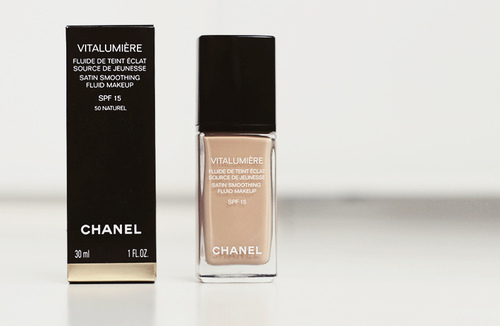 Review Chanel Vitalumiere!