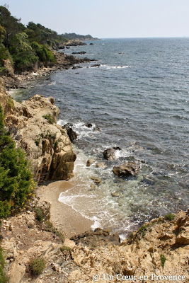 The coves of the peninsula of Giens in front of the Porquerolles's Island