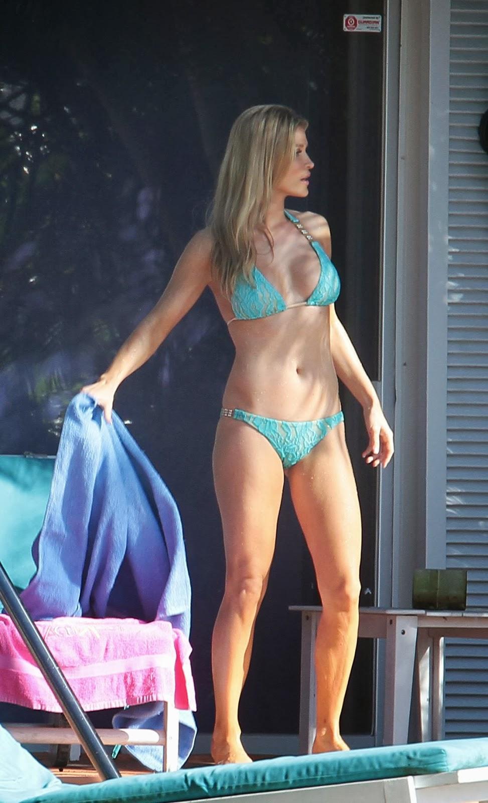 Hot bikini candids pics and galleries