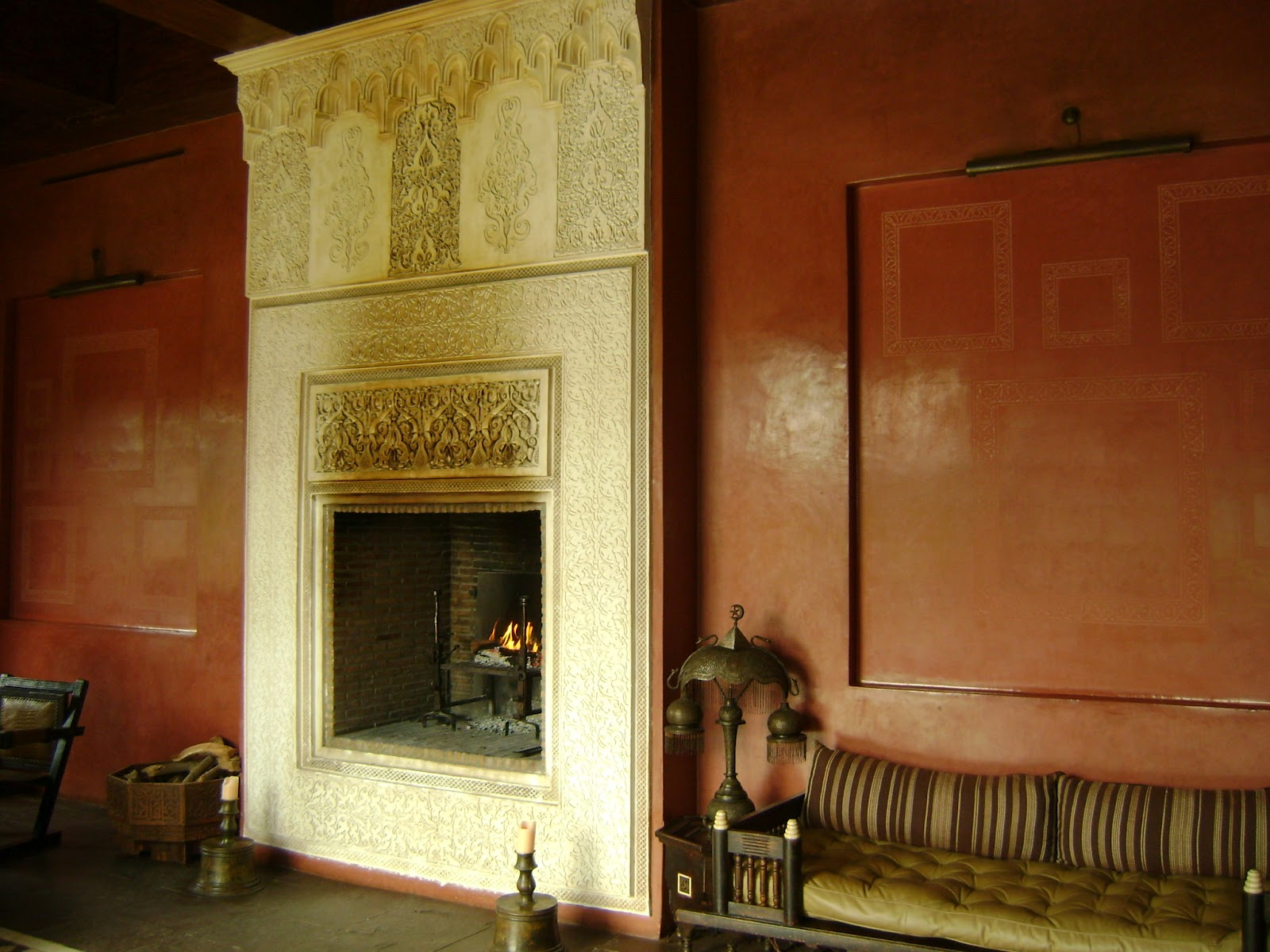 The finesse of Moroccan plasterwork | Find, buy and renovate a Riad ...