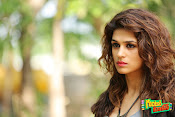 Shraddha das latest glam pics-thumbnail-7