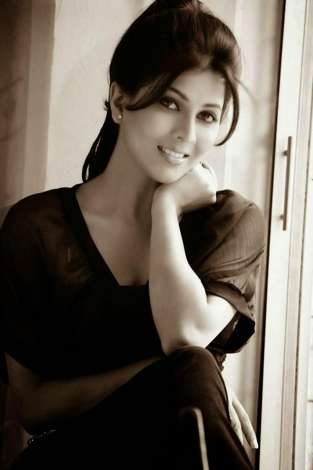Madhavi Kulkarni - Marathi Actress And Actor Beautiful Photos