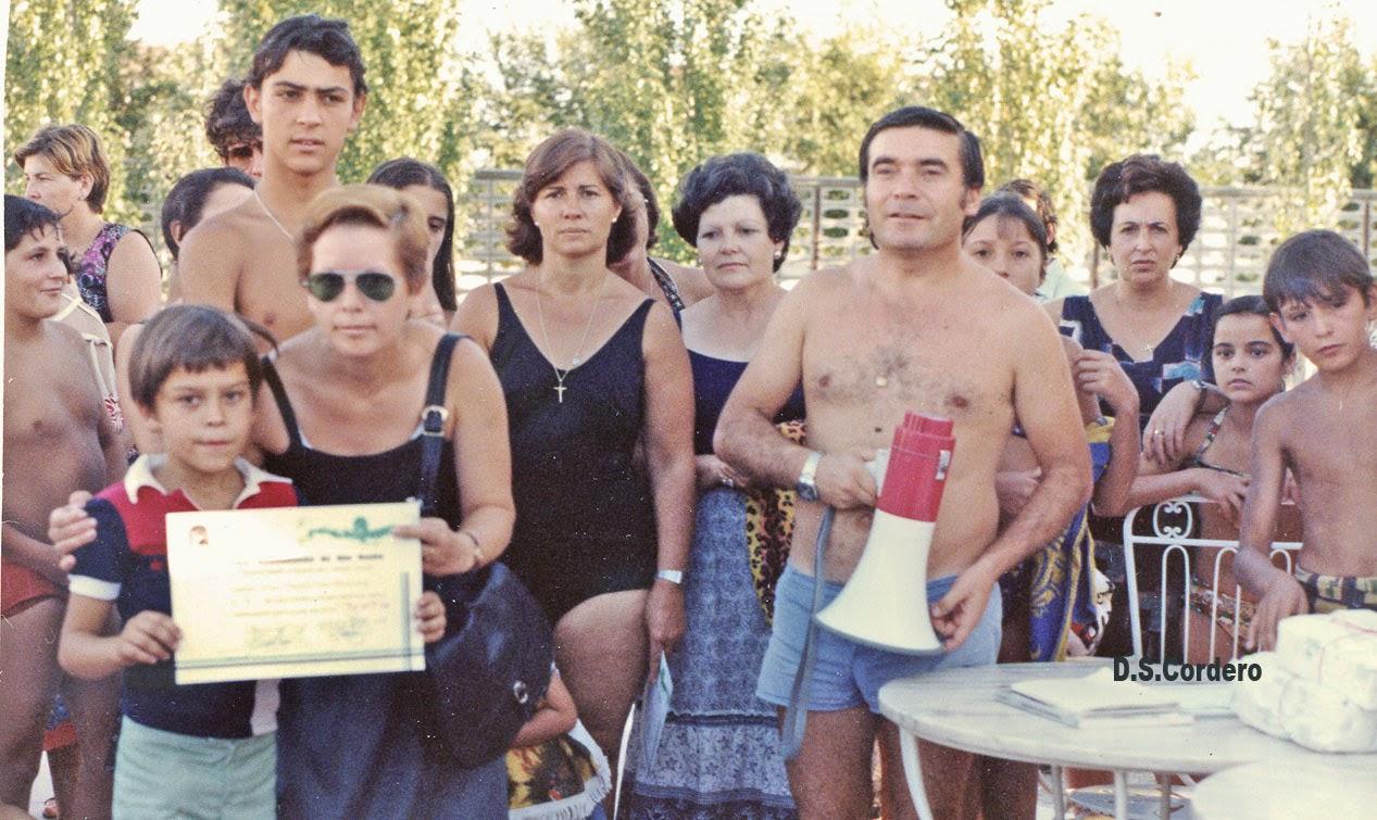 Cachos de vida cursos de nataci n for Piscina don benito