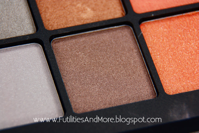 Inglot, Freedom, Palette, 20, shades, futilitiesandmore.blogspot.com, futilities and more, futilitiesandmore, beauty blog, makeup blog, review, asian, monolid, maquillage, cosmetiques, yeux brides, asiatique, avis, critique