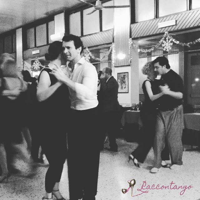 Ballerini nella milonga La Mimada, a Milano
