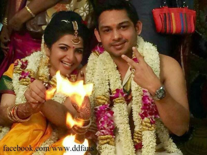 Vijay Tv Anchor Divyadarshini Veethi