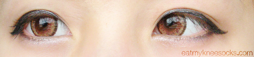 The EOS Cat Eyes Brown circle lenses, worn with ulzzang-style makeup.