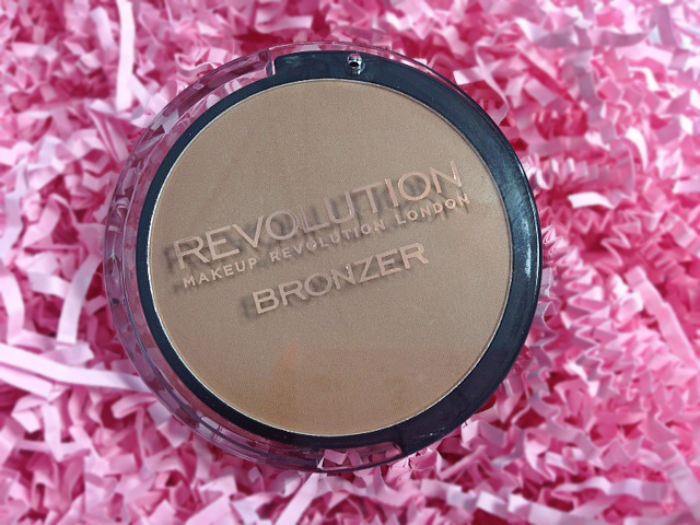 Makeup Revolution Medium Matte Bronzer review!