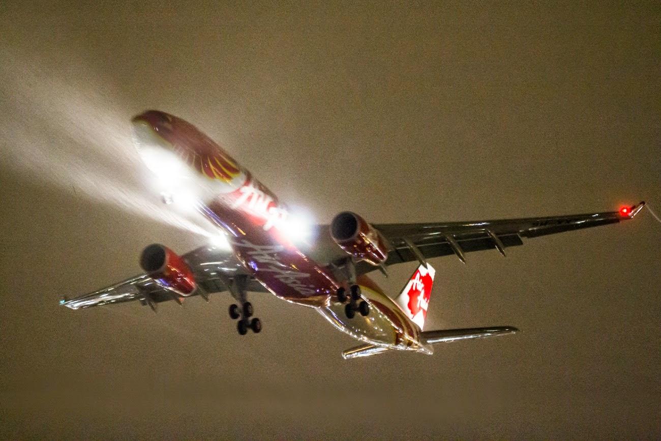 Air%2BAsia%2BX%2BA330-343E%2B9M-XXT%2B%231.jpg