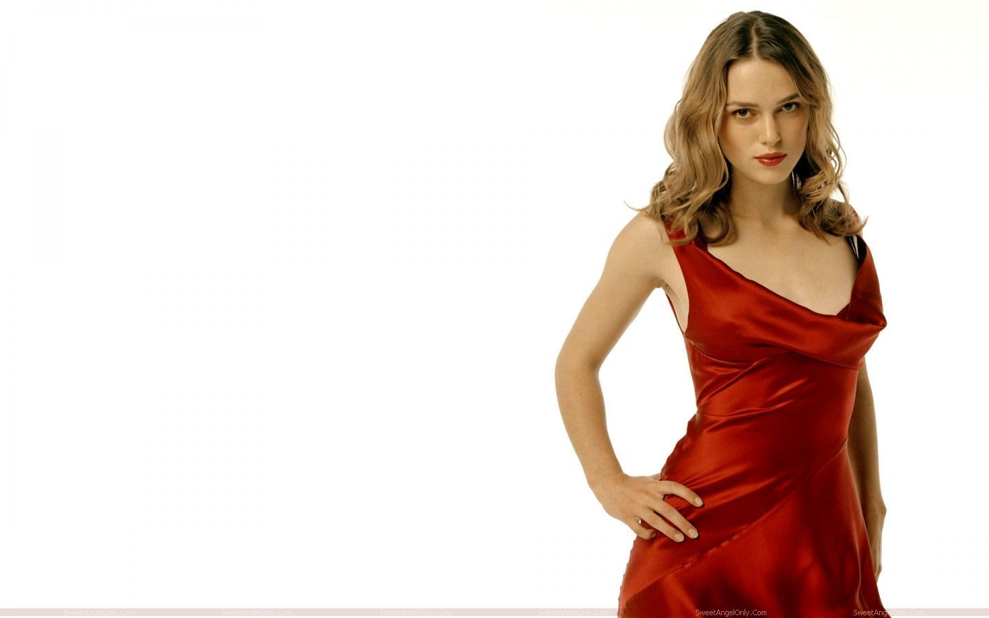 http://1.bp.blogspot.com/-66gQ6OYSkGQ/UBjEV4OJdeI/AAAAAAAAASI/0fuA01NXjxc/s1600/actress_keira_knightley_hot_wallpaper_sweetangelonly_19.jpg