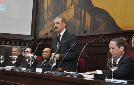 Danilo Medina afirma  en campo se está produciendo auténtica revolución