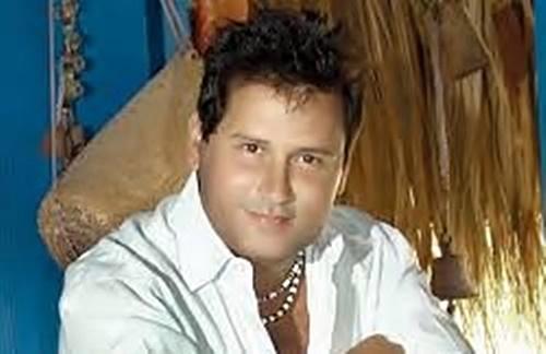 Roberto Antonio - Ella Paso Por Aqui