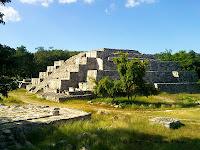Estructura 36 Dzibilchaltun Ruinas Mayas Yucatan Mexico