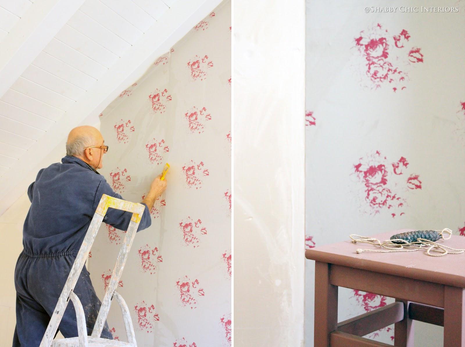 Makeover della cameretta shabby chic interiors for Carta da parati camera ragazzi