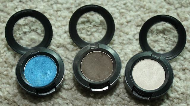 MAC SINGLE EYE SHADOWS - FRESH WATER, BRUN & SHROOM