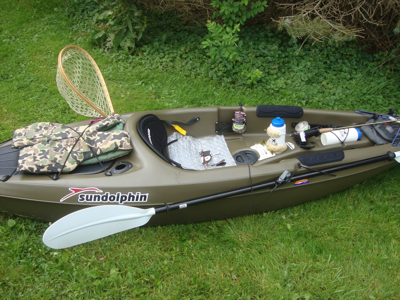 Streamside tales sun dolphin journey 10 ss kayak review for Journey fishing kayak