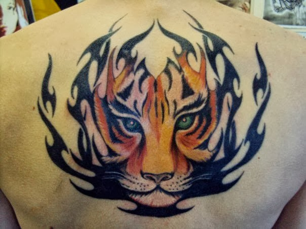 tattoos designs pictures and ideas beautiful tribal tiger face tattoo on back. Black Bedroom Furniture Sets. Home Design Ideas