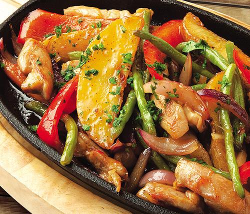 Курица со спаржевой фасолью и картошкой в духовке рецепт