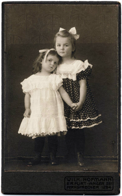 Souvenirs De La Mode Enfantine Tendances Les Noeuds