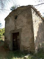 Façana de ponent de la capella de Sant Pere de les Cigales