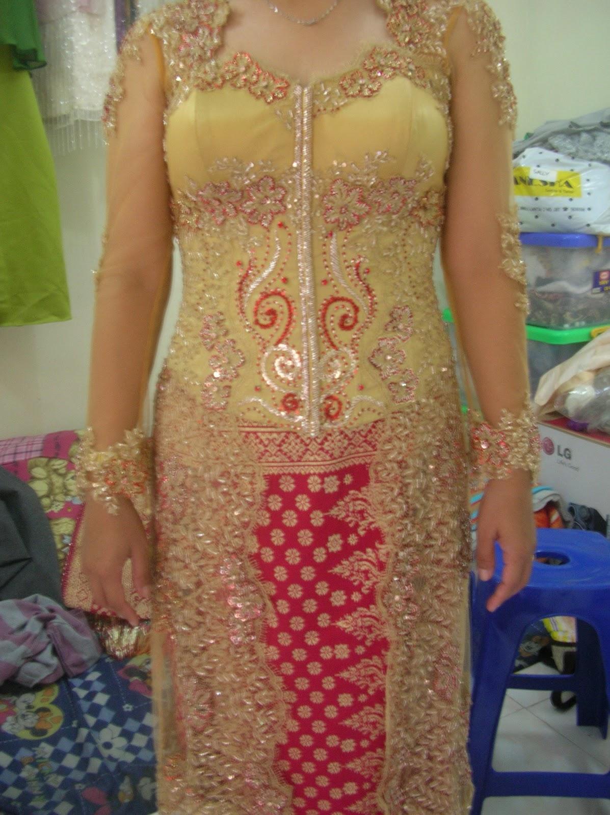 "Ferry Sunarto Haute Couture ""Kebaya Indonesia"" at Royal"
