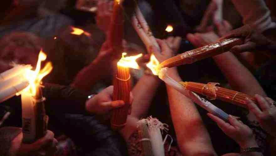 Ηχηρή απάντηση στους προβοκάτορες! «Το Άγιο Φως θα έρθει και φέτος στην Ελλάδα» λέει το Πατριαρχείο Ιεροσολύμων