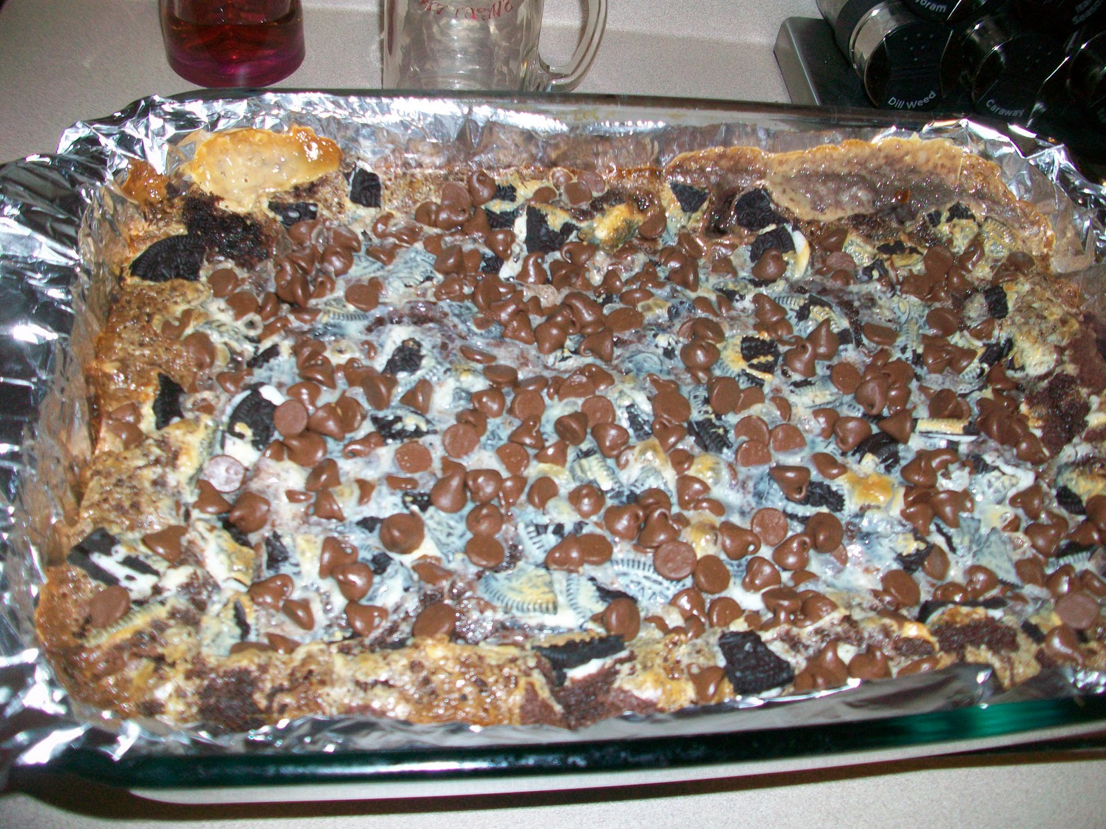 ... .com/2011/07/05/gooey-cookies-and-cream-double-chocolate-cake-bars