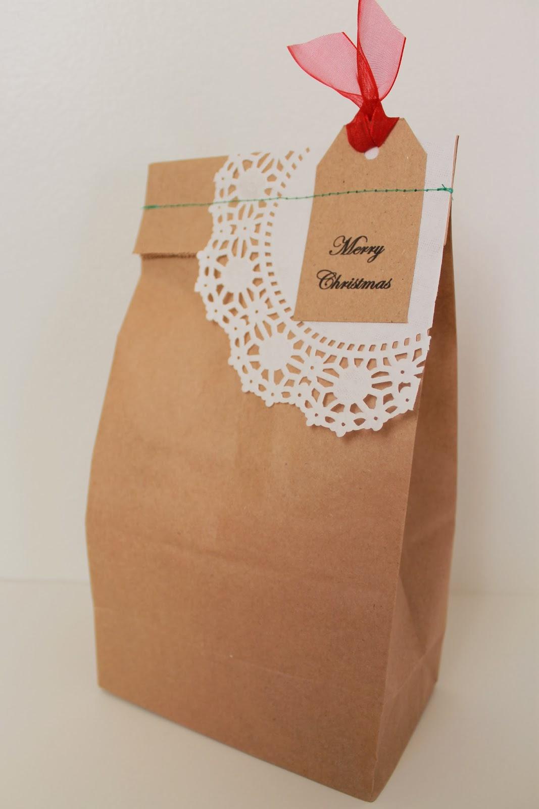 Serving Pink Lemonade: Dressing Up Papers Bag for Holiday Gift Giving