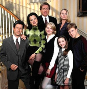 The Nanny Cast Reunite for a Glorious Virtual Reading of