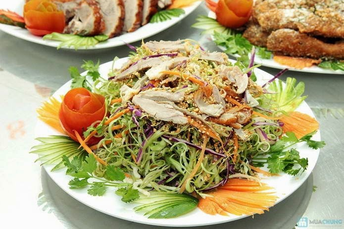 (Gỏi vịt) - Banana Flower Salad with Sliced Duck Breast