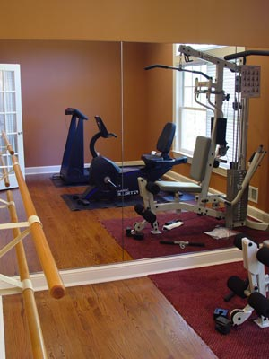 Rachel olsen home gym workout spaces for Small exercise room