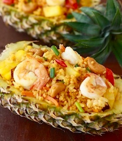 thai recipe for fried rice in a pineapple shell