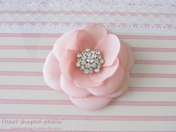 pink flower with rhinestones bridal hair